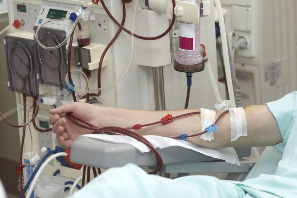 Dialyysissa oleva henkilö